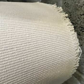 Tissu auto-adhésif pour des applications à haute température
