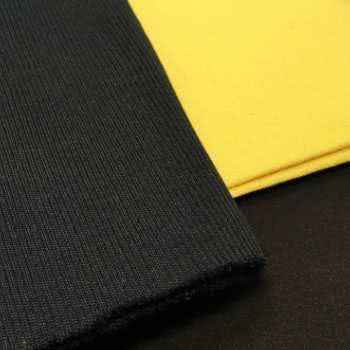 Tricots haute température à base de fibres de zircone.