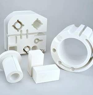 Différentes pièces composites adaptées aux hautes températures